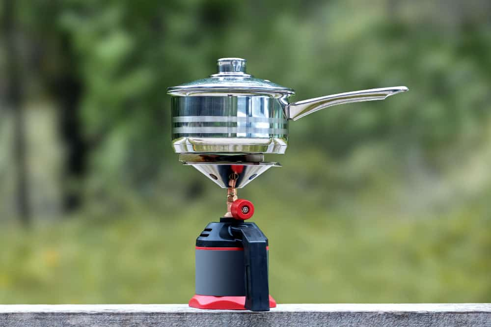 how to attach a propane tank to a camping stove 1